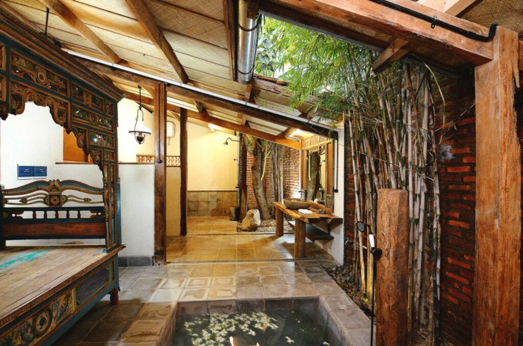 Salah satu kamar di Desa Alamanis