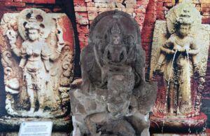 arca di museum trowulan mojokerto