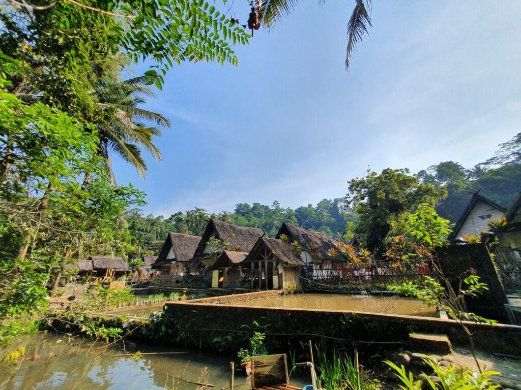 Suasana Kampung Naga