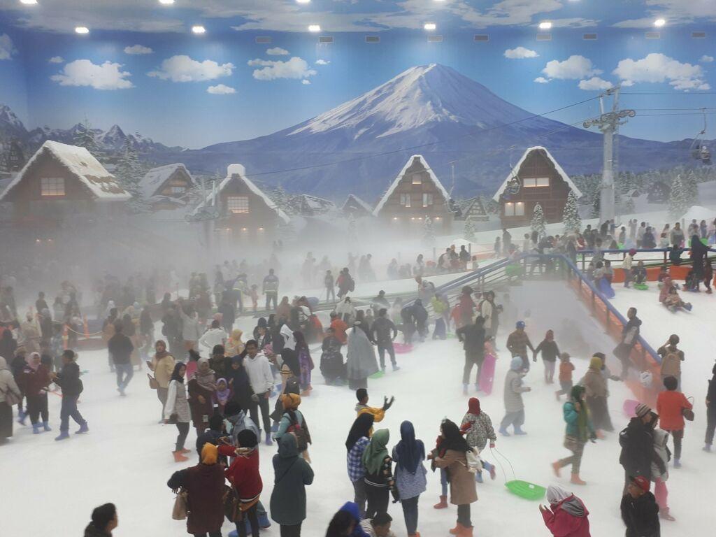 Kaut menyelimuti Trans Snow World