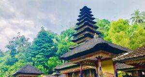 Bagian dalam kompleks Pura Kehen Bangli Bali penuh suasana sakral dan khidmat - nites el chico