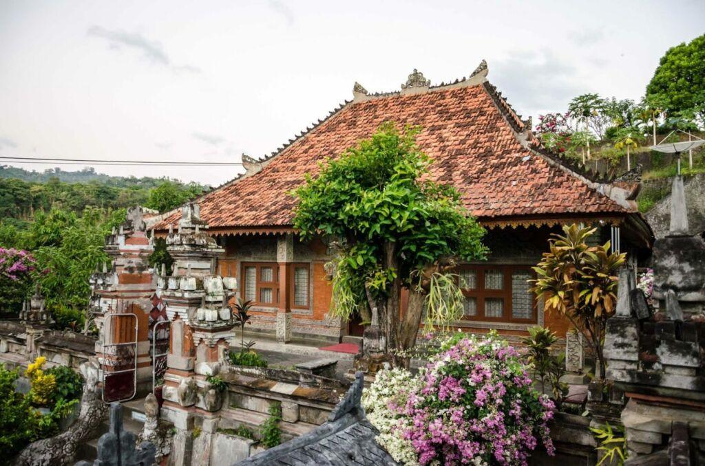 Bangunan di Area Brahma Vihara Arama