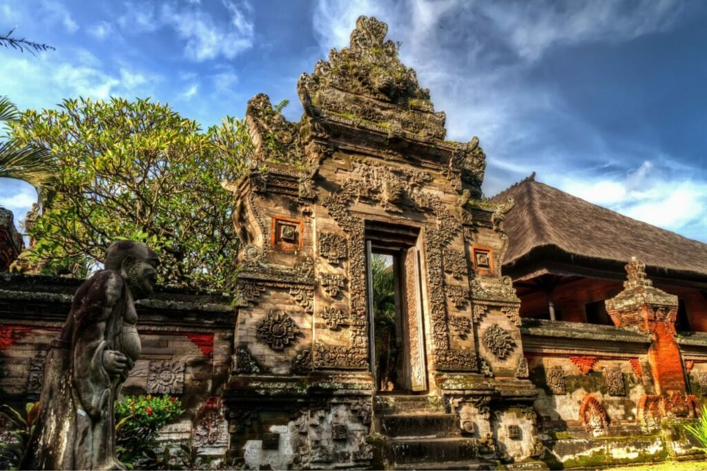 Gapura di Museum Bali