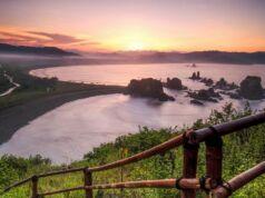 Matahari Terbenam di Teluk Cinta Jember. Foto: Google Maps / Barracudax
