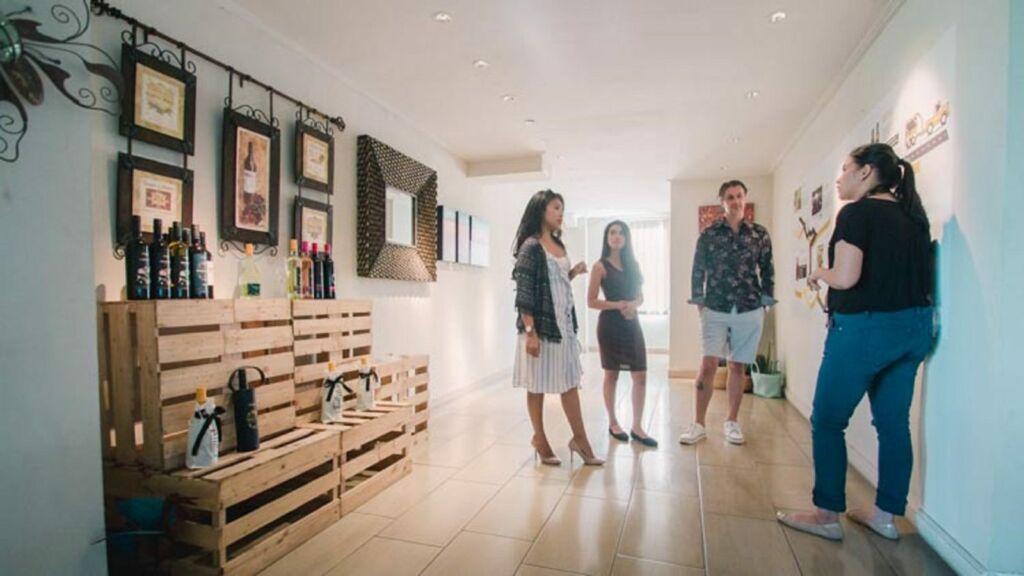 lobby dengan jajaran wine hasil produksi Sababay Industry Gianyar Bali