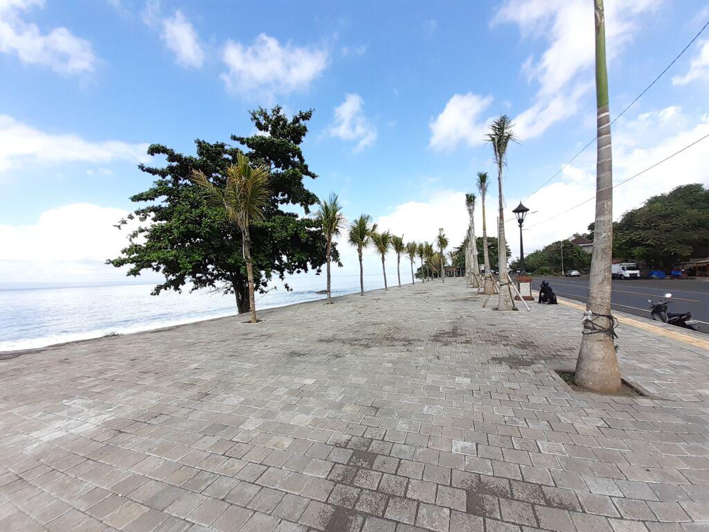 area pedetrian untuk berjalan kaki di tepi pantai