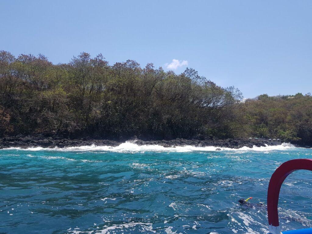 Perairan Blue Lagoon yang Biru Jernih