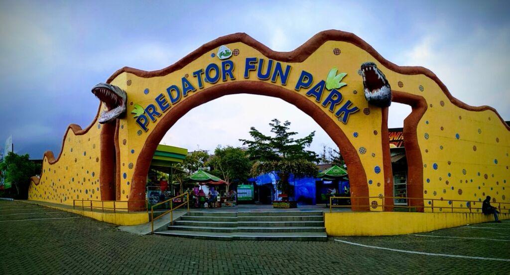 Pintu Masuk Predator Fun Park Batu. Foto: Google Maps / rizal iyoenk