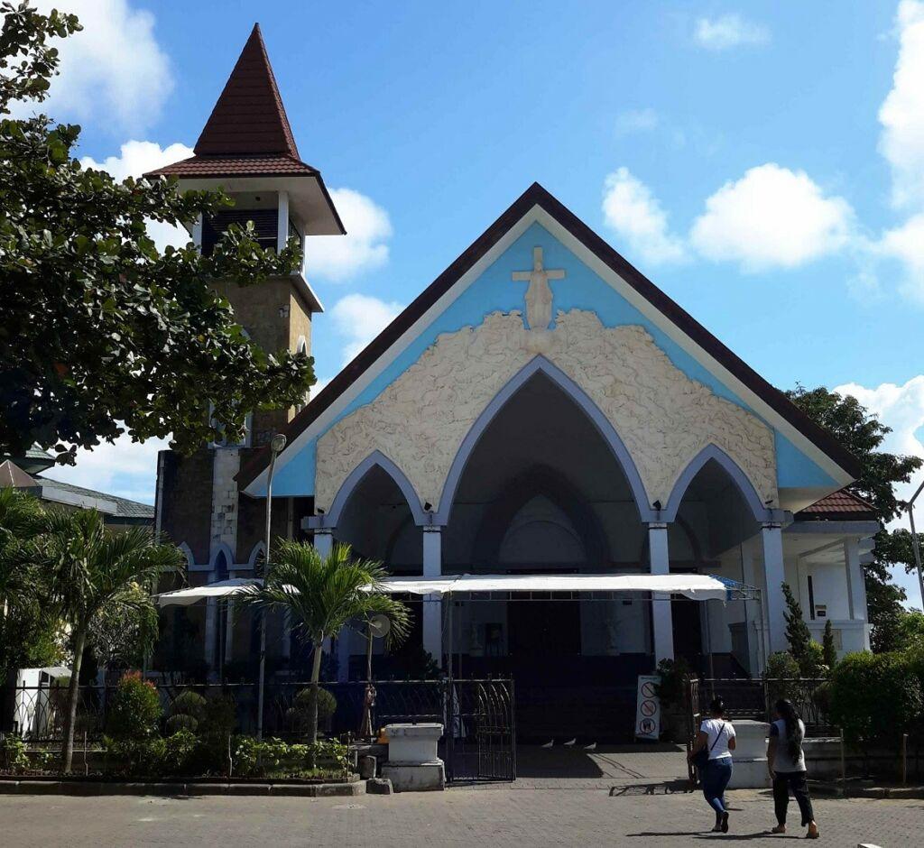 Salah satu gereja di dalam kompleks Puja Mandala Badung Bali