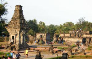 Suasana Kompleks Candi Penataran Blitar. Foto: Google Maps / Widya Pramana