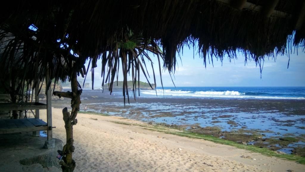 Pemandangan Pantai Slili