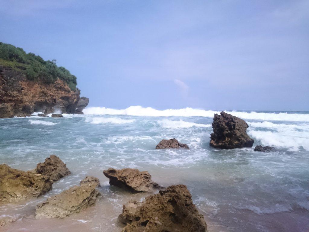 Formasi batu karang