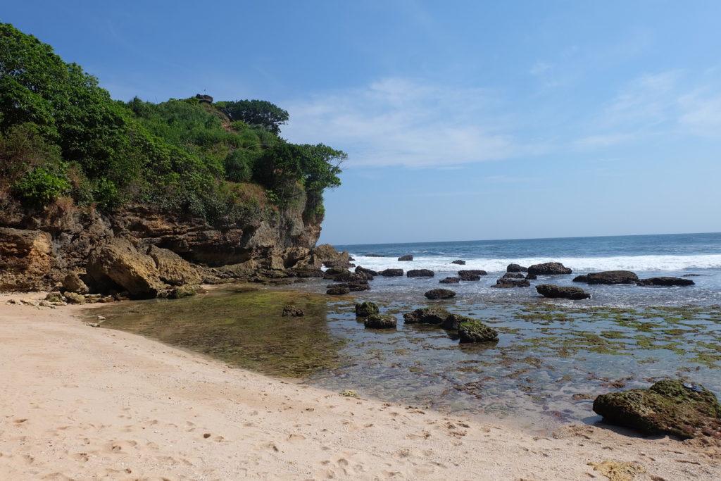 Hamparan batu karang