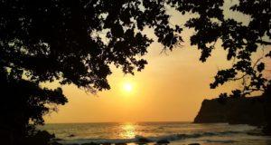 Matahari terbenam di Ngetun