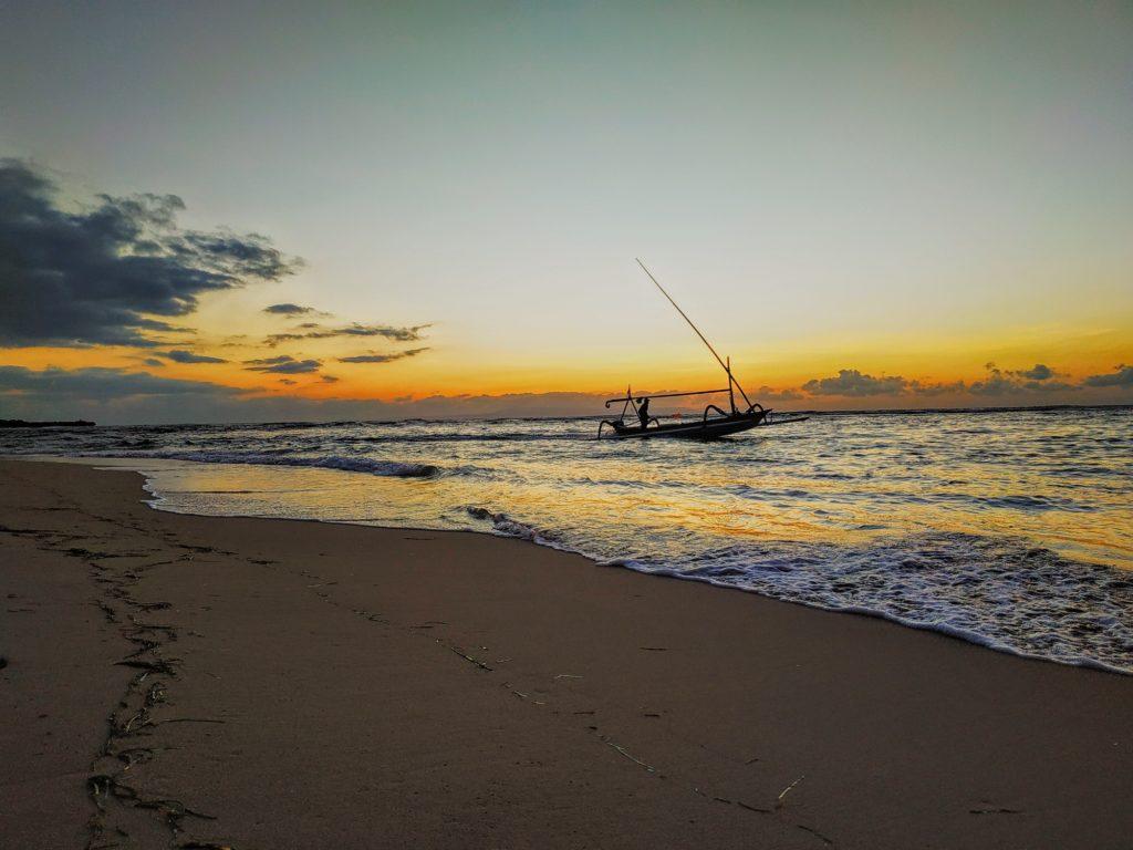 Indahnya Matahari Terbit Nusa Dua