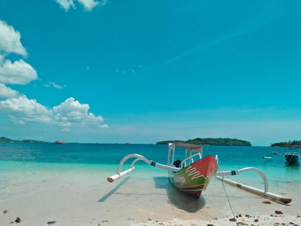 Pemandangan Pantai yang Begitu Indah