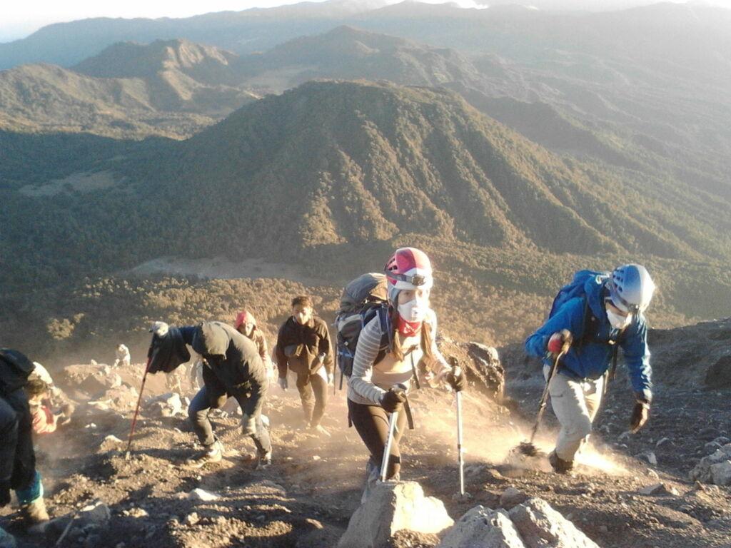 Perjalanan Mendaki Gunung Semeru. Foto: Google Maps / Syarfina J