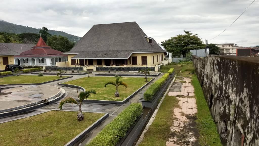 Taman di dalam Kawasan Benteng