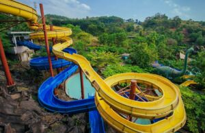 area wisata water blaster semarang dengan berbagai wahana permainan air
