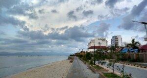 Area Pantai dan Jogging Track yang Dibatasi Pagar di pantai pasir panjang kupang