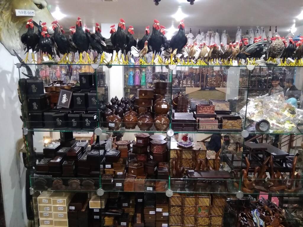 Cinderamata yang Dijual di Pasar Beringharjo