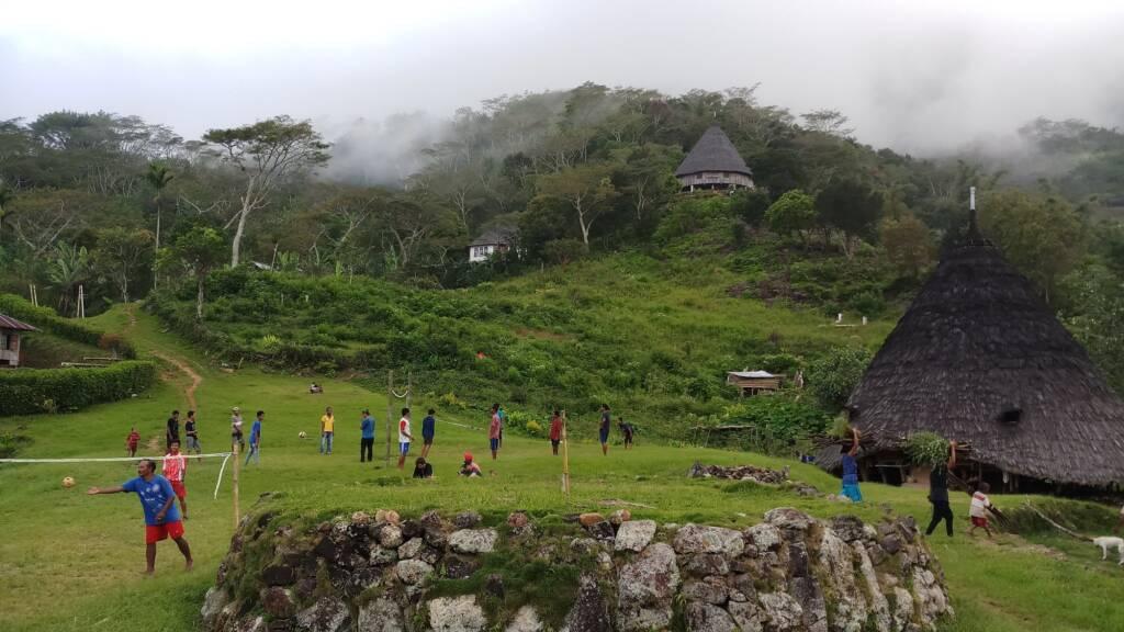 Kegiatan Warga Masyarakat Desa Wae Rebo