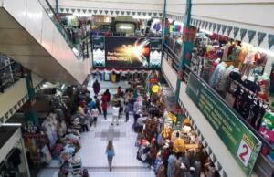 Keramaian di Pasar Beringharjo