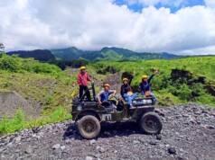Jeep yang digunakan membawa wisatawan dalam lava tour merapi