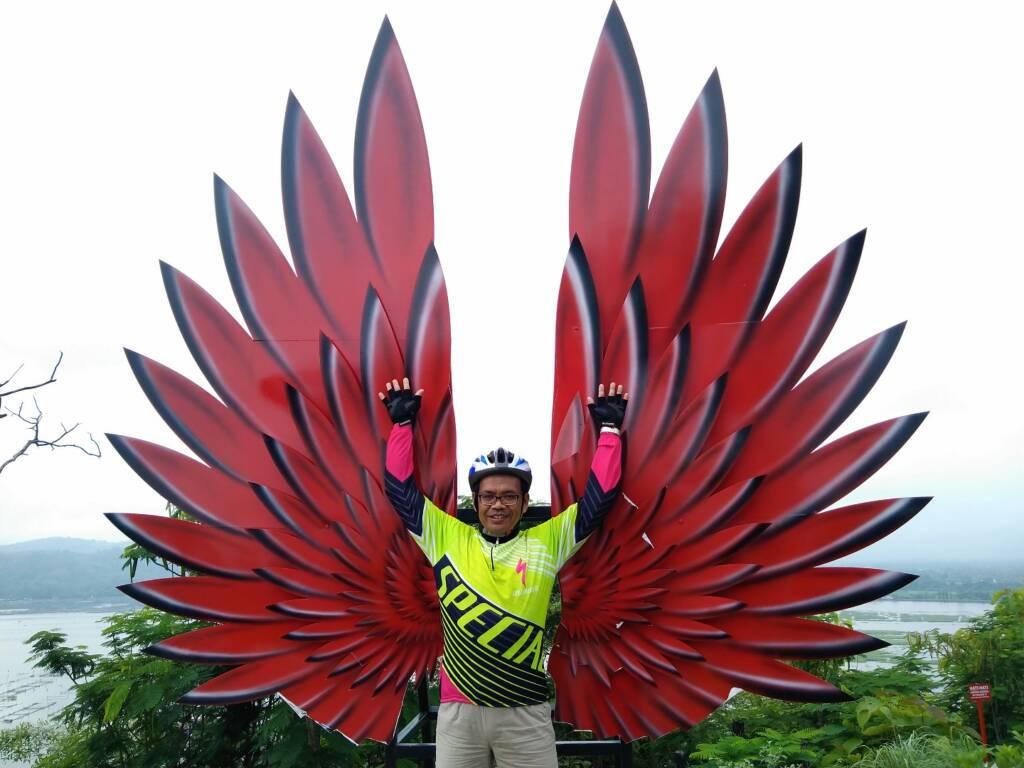 Spot foto ala negeri dongeng 'Sayap Merah' di Bukit Sidoguro Klaten - sucaryo subarjo