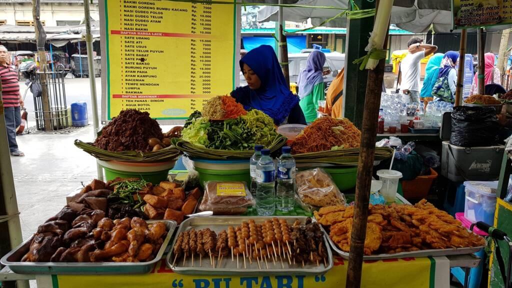 Wisata Kuliner di Pasar Beringharjo