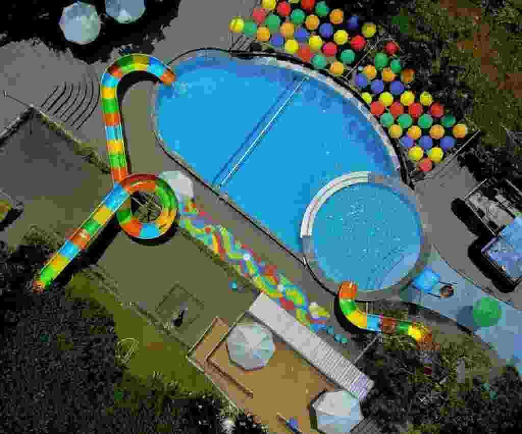 area kolam renang dan water park duyung trawas hill