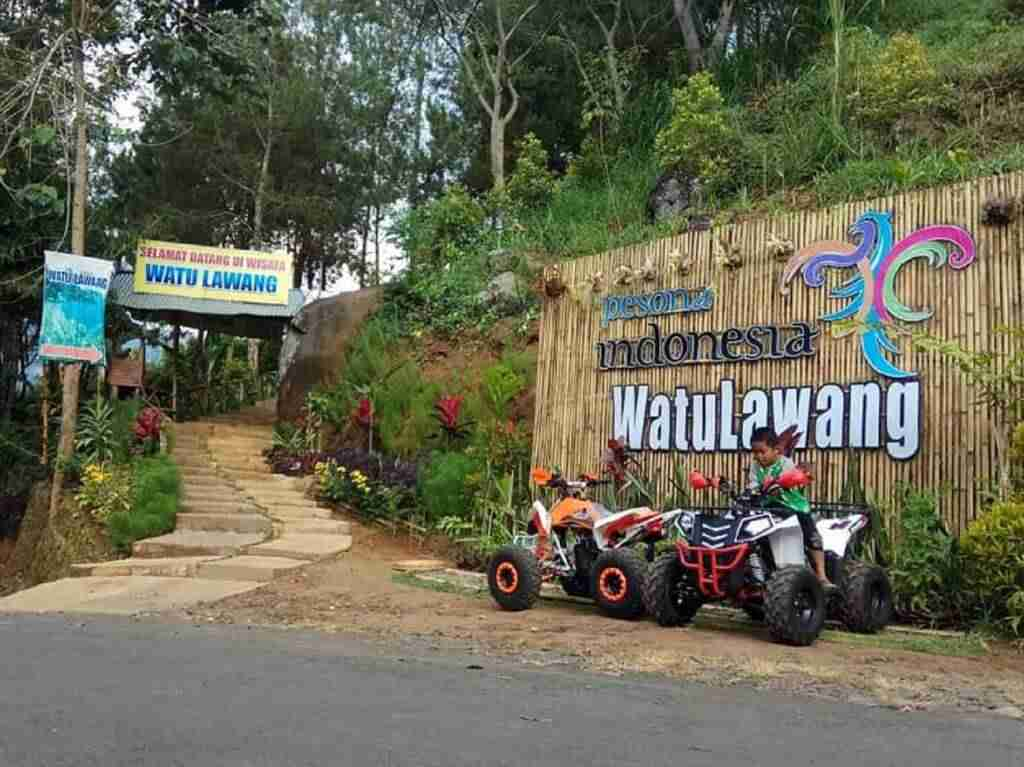 Menjelajah kawasan wisata Watu Lawang Nganjuk Jawa Timur dengan mengendarai ATV - watulawangnganjuk