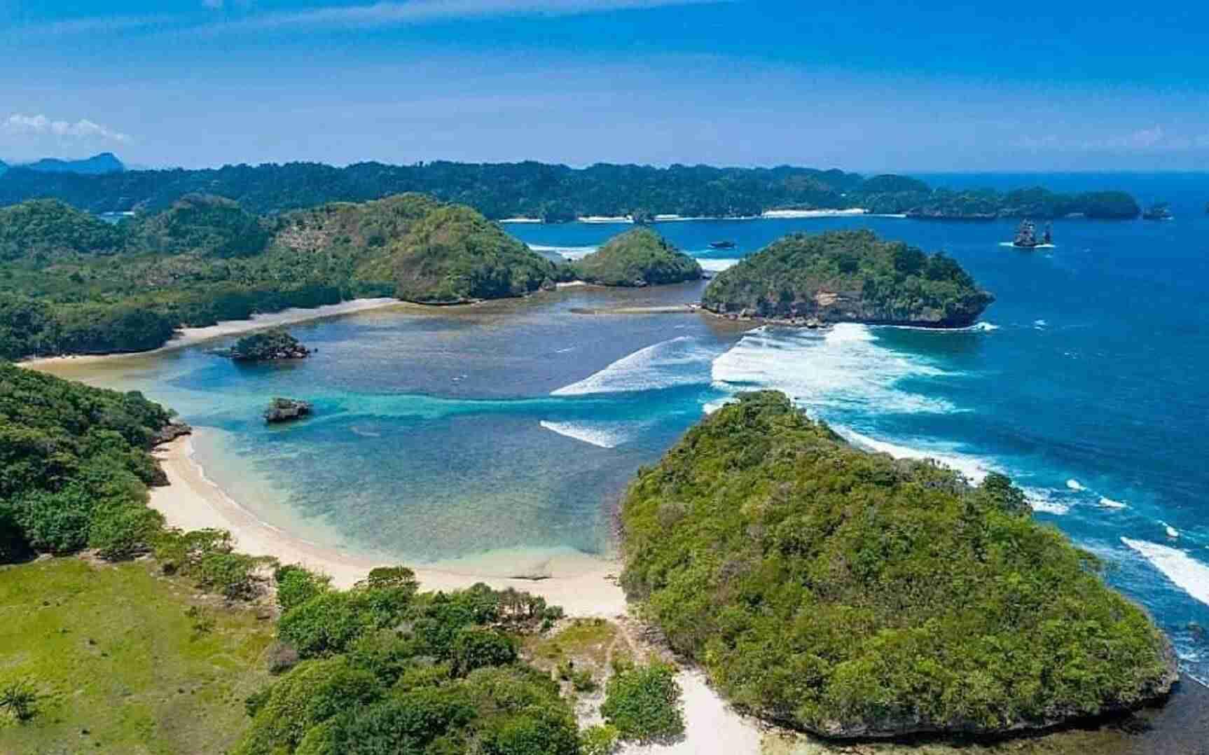 Pantai Teluk Asmara Malang Tiket Aktivitas September 2020 Travelspromo