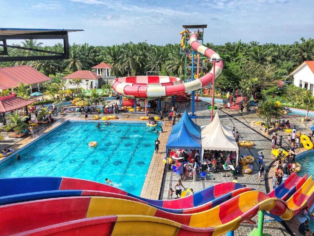 kolam renang olympic dan wahana peluncuran air