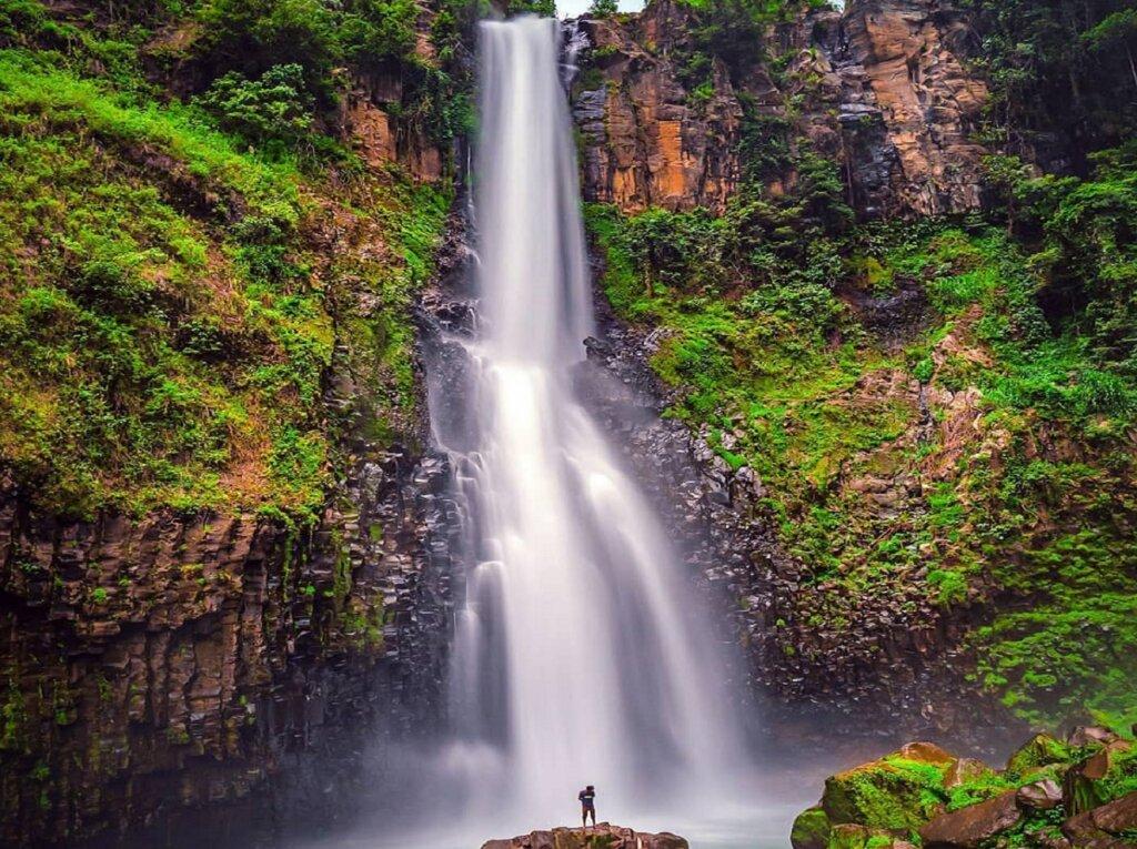 Air Terjun Takapala di Malino Highlands Gowa Sulawesi Selatan - hiyung_an