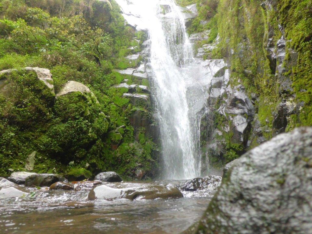 Air Terjun di Lembah G Pass Semarang