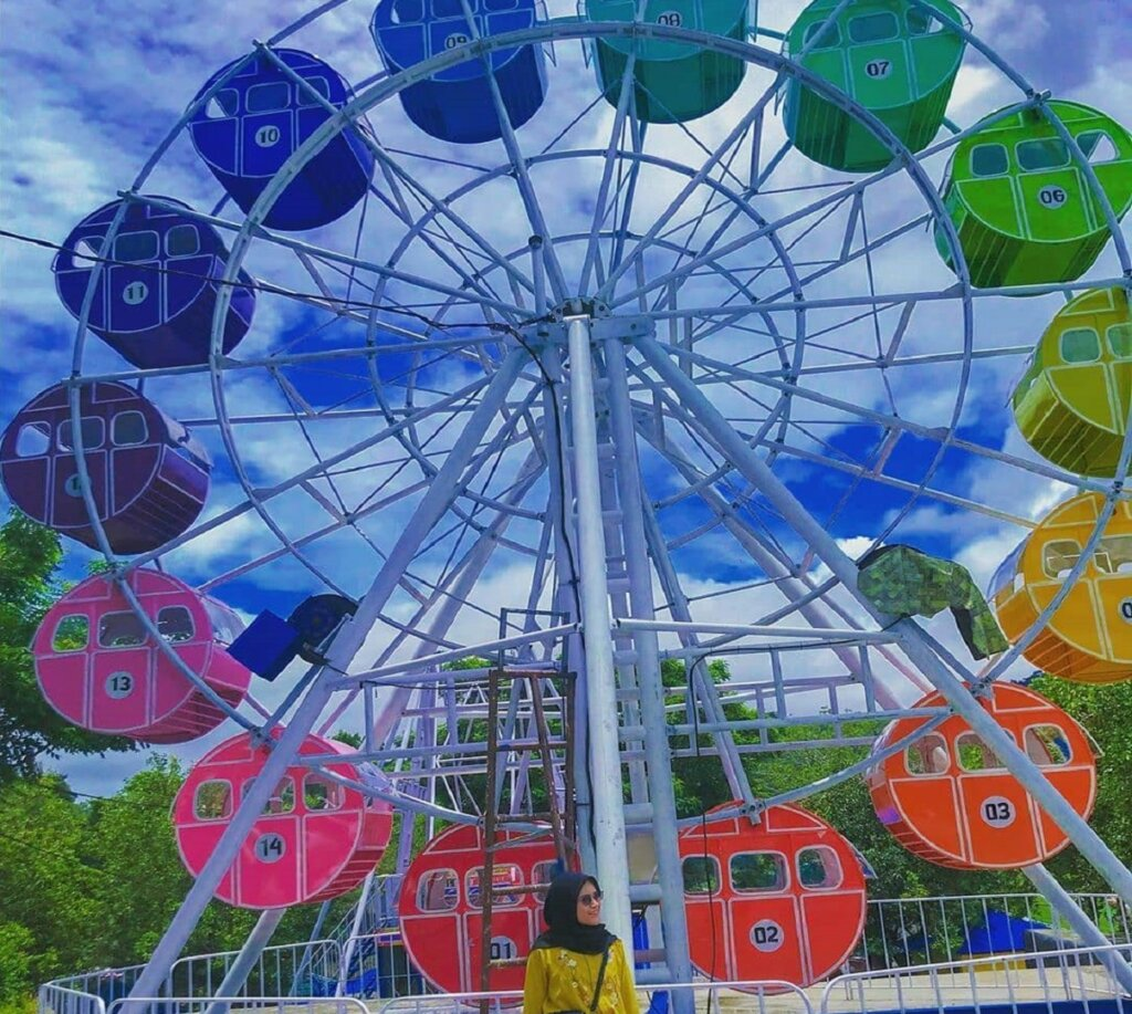 wahana Ferris wheel