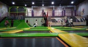 Arena Trampolin di Gravity Trampolin