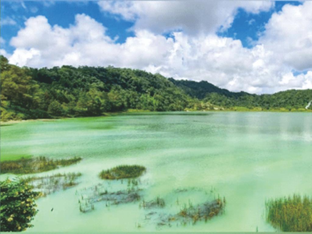 Danau Linow yang memiliki 3 warna