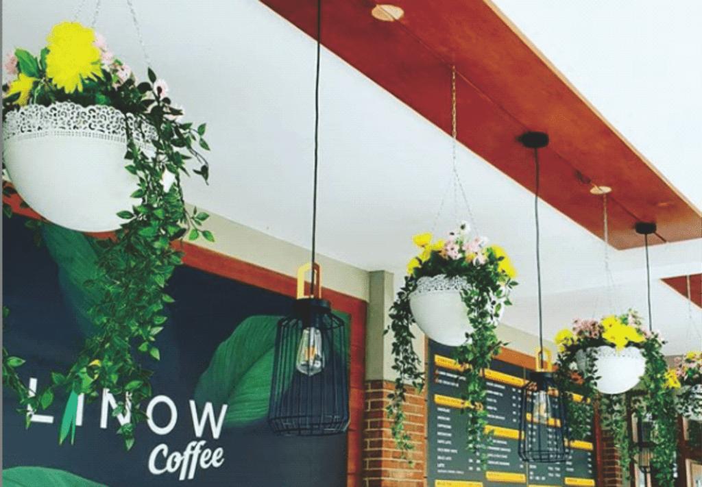 Dekorasi Unik dan Kekinian Cafe D-Linow