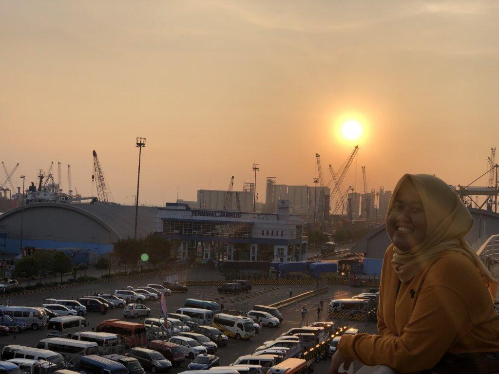 Indahnya Pemandangan Sunset dari Rooftop Surabaya North Quay