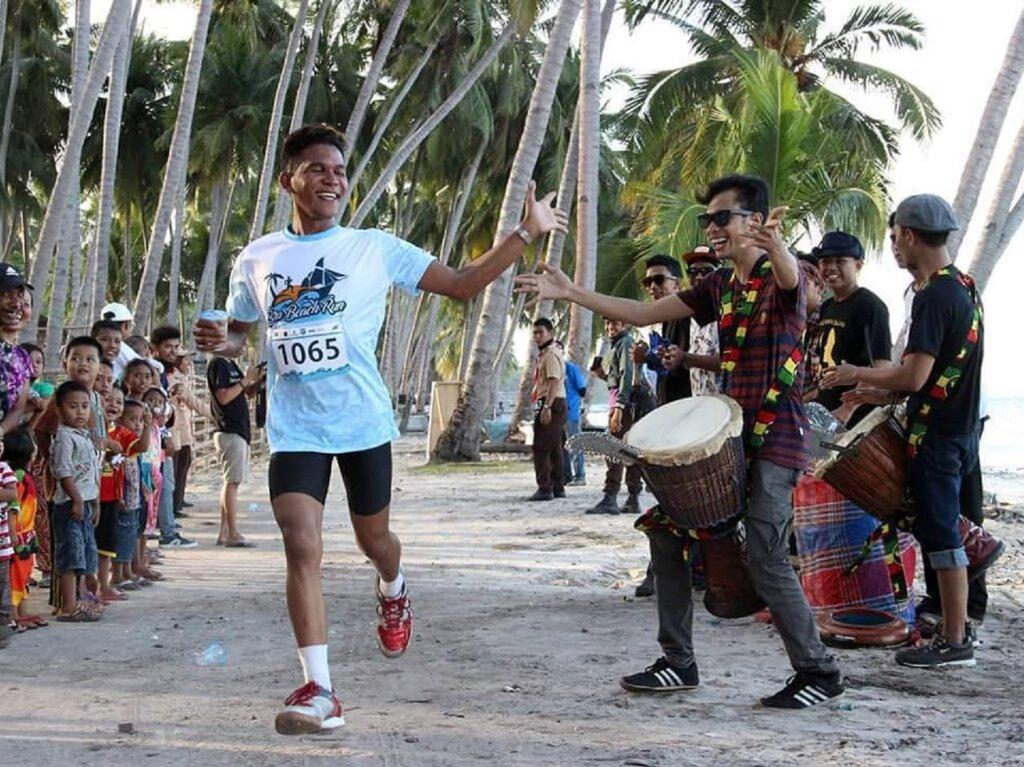 Peserta ajang sport tourism di Pantai Tanjung Bira Bulukumba Sulawesi Selatan - unafajar