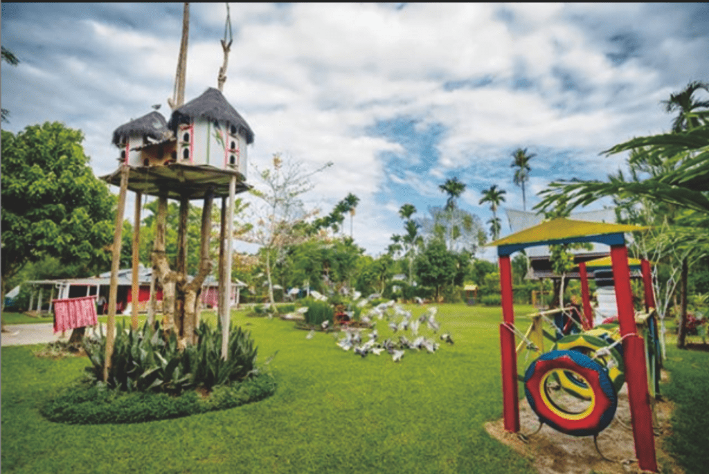 Area taman dengan berbagai wahana
