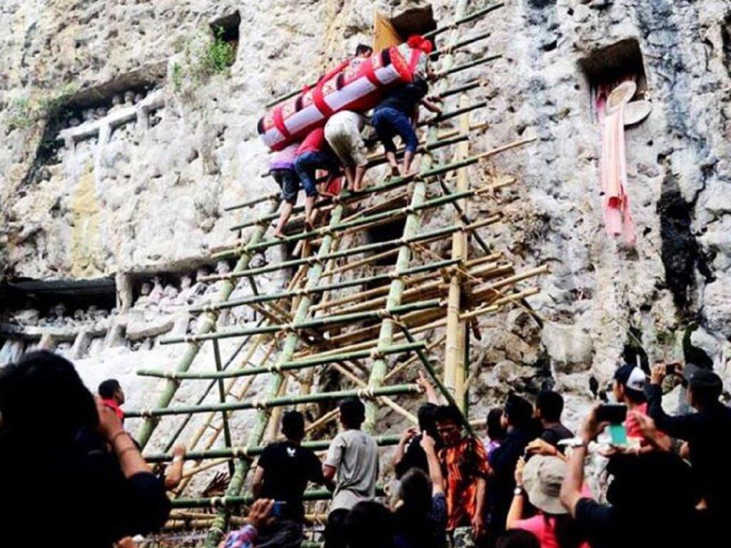 Ritual Ma Peliang oleh penduduk lokal