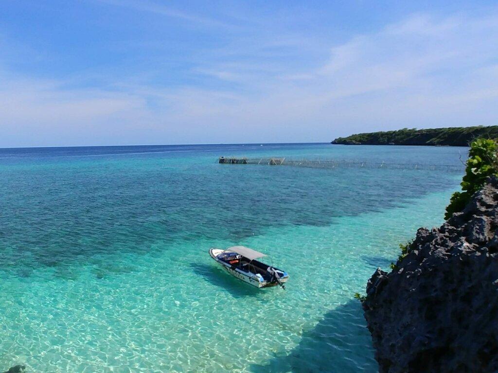 Tiga lapis warna air laut terlihat mempesona di Pantai Tanjung Bira Bulukumba