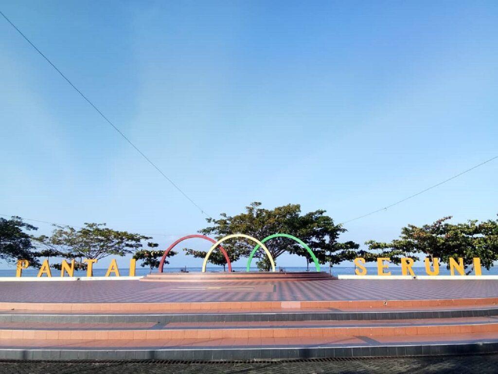 Tribun Pantai Seruni Bantaeng Sulawesi Selatan - kabar.bantaeng