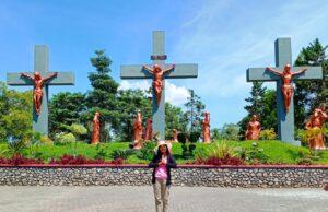 Area taman wisata iman bertemakan penyaliban kristus