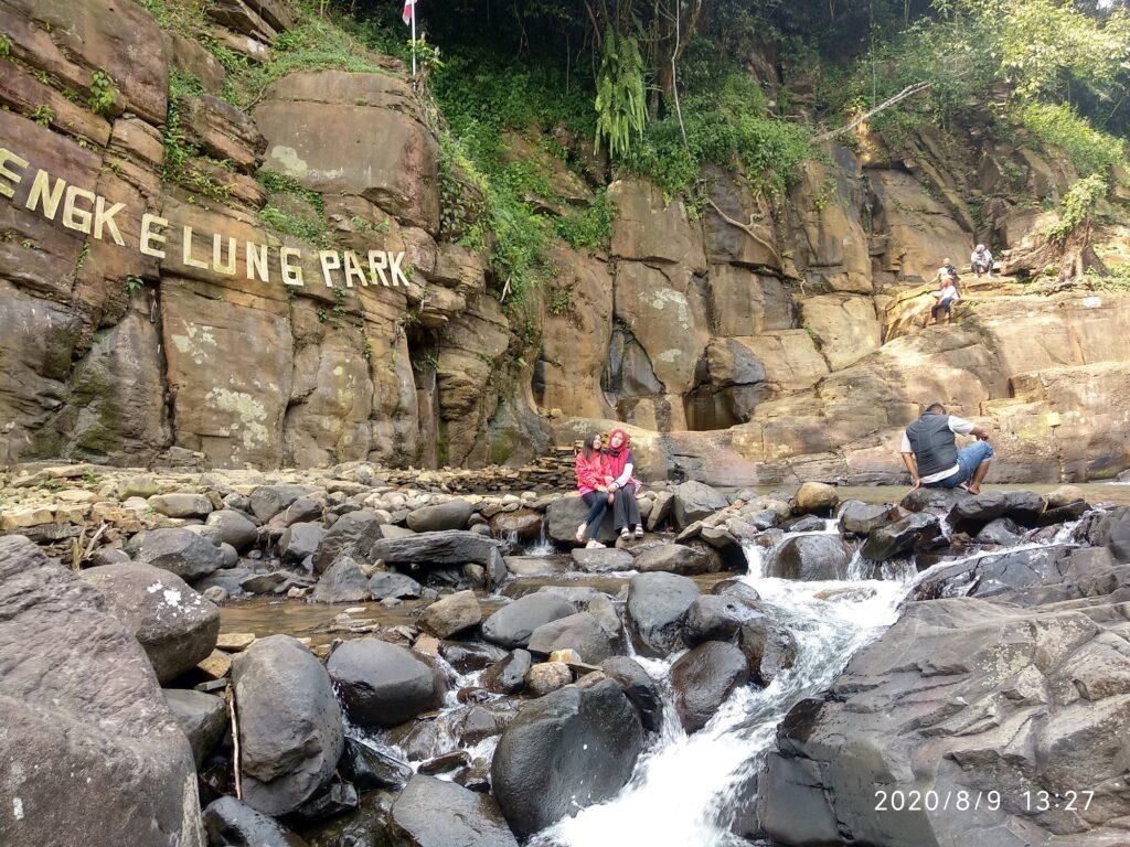 Batuan Sungai di Bengkelung Park