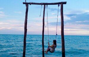 Bermain ayunan di Pantai Toronipa Konawe Sulawesi Selatan - felitairenes