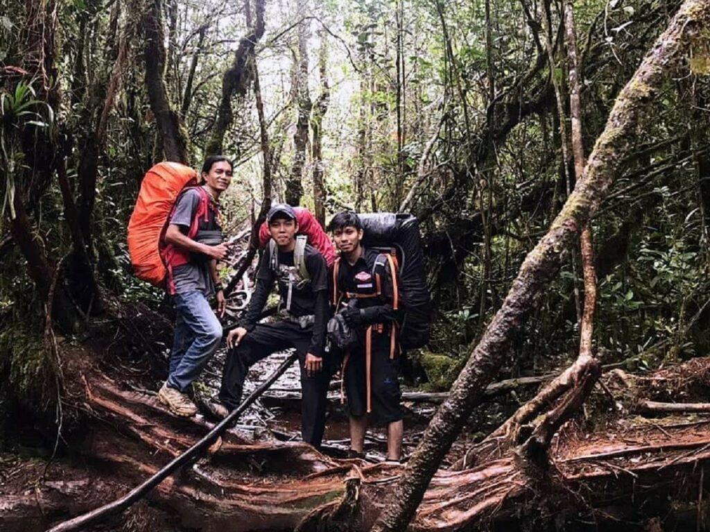 Jalur pendakian Gunung